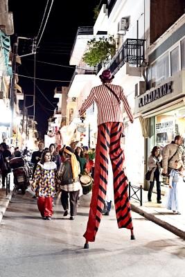 karneval sitia stelzenläufer stelzenlauf